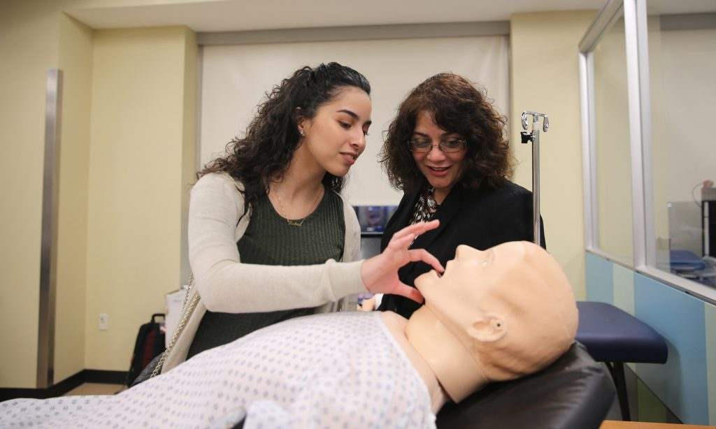 College of Medicine – Med School Open House Welcomes High